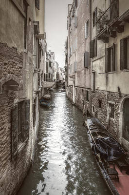Photograph - Alley Water by Roberto Pagani
