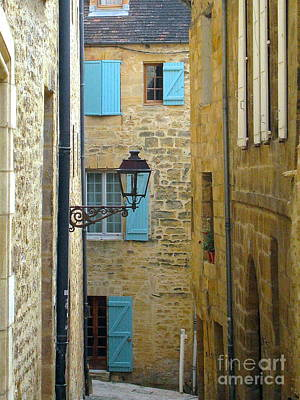 Photograph - Alleys Of Sarlat II by Suzanne Oesterling