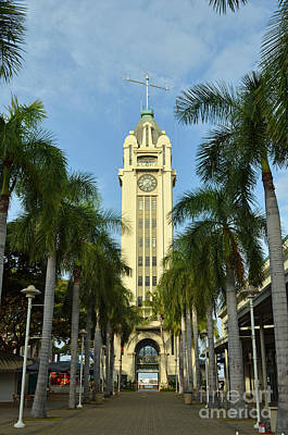 Digital Art - Aloha Tower by Eva Kaufman