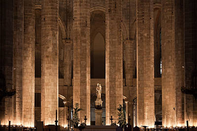 Altar In The Basilica Of Santa Maria Del Mar In Barcelona Print by Artur Bogacki