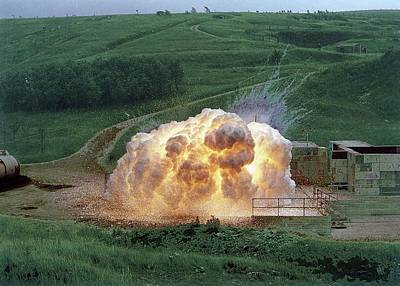 Aluminium Photograph - Aluminium Powder Explosion by Crown Copyright/health & Safety Laboratory Science Photo Library