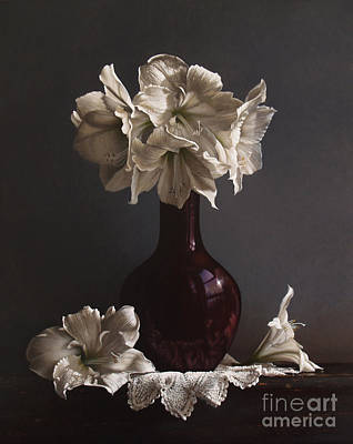 Realism Painting - Amaryllis  by Larry Preston