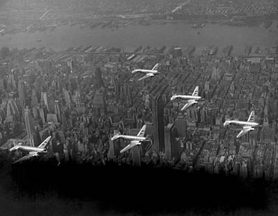 American Airlines Over Nyc Print by Underwood Archives