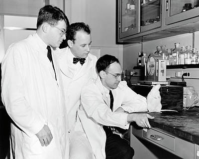 Physiology Photograph - American Biomedical Researchers by National Library Of Medicine