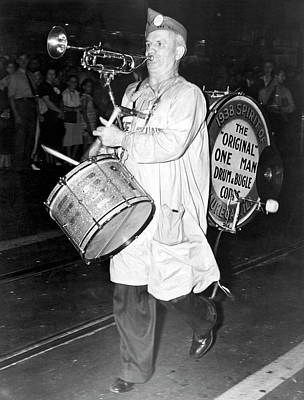 Photograph - American Legion One Man Band by Underwood Archives