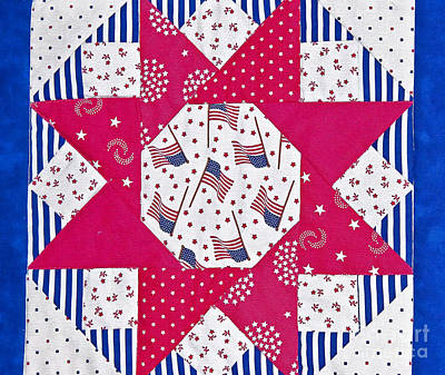 Red And White Quilt Photograph - Americana Quilt Block Design Art Prints by Valerie Garner
