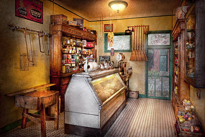 Americana - Store - At The Local Grocers Art Print by Mike Savad