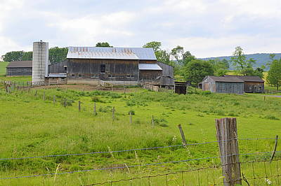 Photograph - Amish Barn #1 - Woodward Pa by Joel E Blyler
