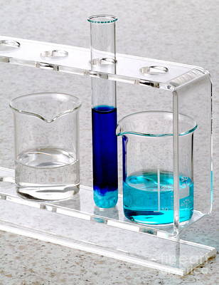 Ammonia Photograph - Ammonia And Copper Sulphate Reaction by Martyn F. Chillmaid