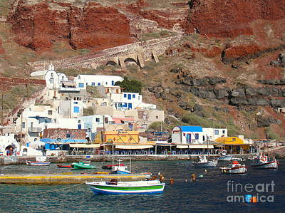 Photograph - Amoudi Bay by Suzanne Oesterling