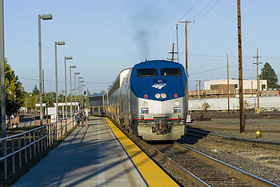 Photograph - Amtrak 45 Stopping In Roseville by Jim Thompson