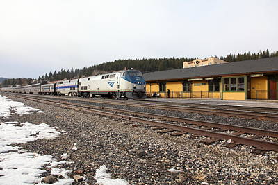 Photograph - Amtrak California Zephyr Trains At The Snowy Truckee California Train Station 5d27524 by Wingsdomain Art and Photography