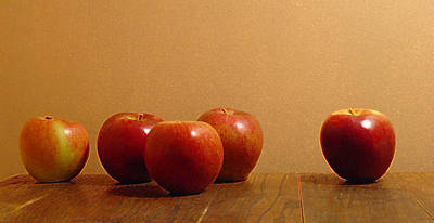 Photograph - An Apple A Day by Suzanne Gaff