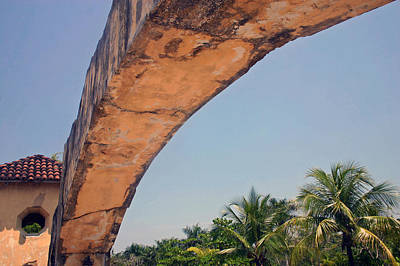 Photograph - An Arch In Cozumela by Cora Wandel
