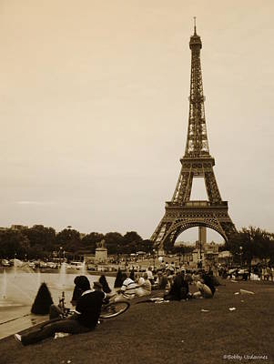 Eifell Tower Photograph - An Evening At The Tower by Bobby Uzdavines