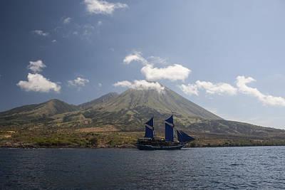 An Indonesian Pinisi Schooner Sails Art Print