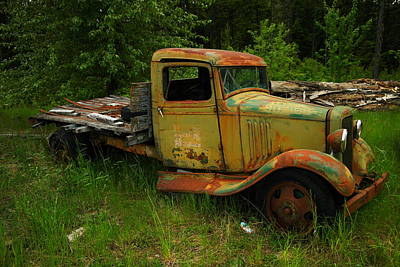 Old Trucks Photograph - An Old Flatbed by Jeff Swan