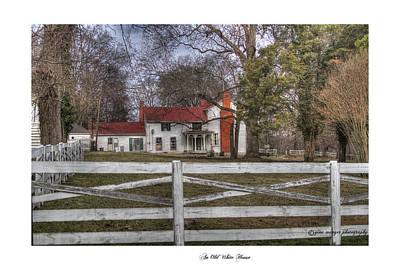 Brentwood Tn Photograph - An Old White House by Gina Munger