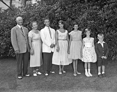 Teenagers Photograph - An Outdoors Family Portrait by Underwood Archives