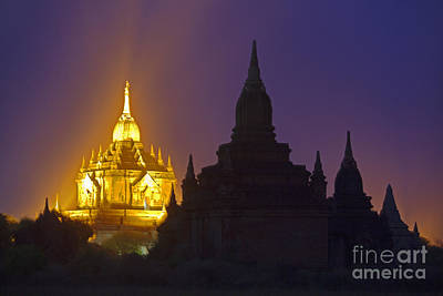 Photograph - Anada Temple Bagan Myanmar by Craig Lovell