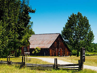 Anderson Valley Barn Art Print by Bill Gallagher