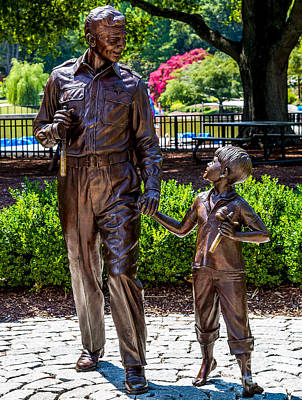 Andy Griffith Show Photograph - Andy And Opie Statue by Arturo Vazquez