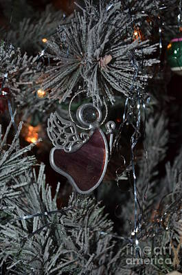 Photograph - Angel Tree 15 by Bob Sample