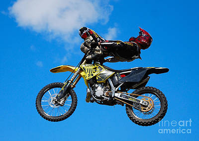 Photograph - Ankle Grab by Mark Spearman