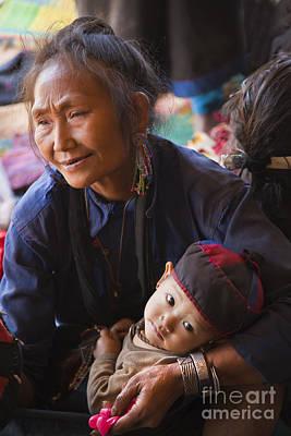 Ann Tribal Grandmother - Kengtung Burma Art Print