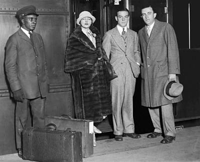 Grand Central Station Photograph - Anna Q. Nilsson Arrives In Ny by Underwood Archives