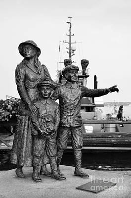 Photograph - Annie Moore The First Inmigrant To Usa Through Ellis Island Bw by RicardMN Photography