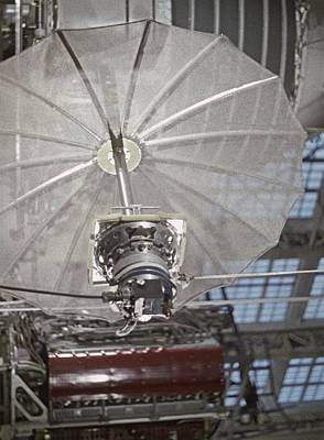 Comsats Photograph - Antenna Of Molniya-1 Satellite On Test by Science Photo Library