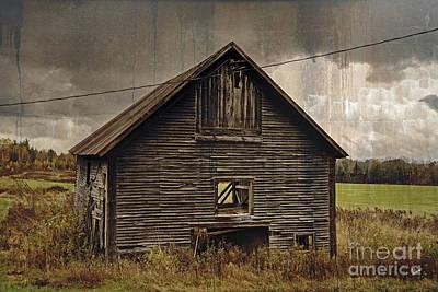 Photograph - Antique Barn by Alana Ranney