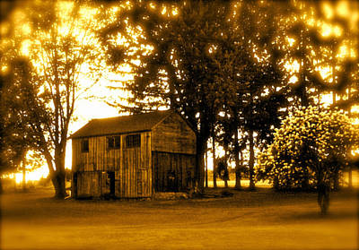 Photograph - Vintage Country Barn by Maggie Vlazny
