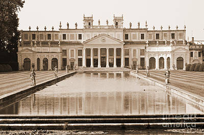 Photograph - Antique Villa Pisani by Brenda Kean