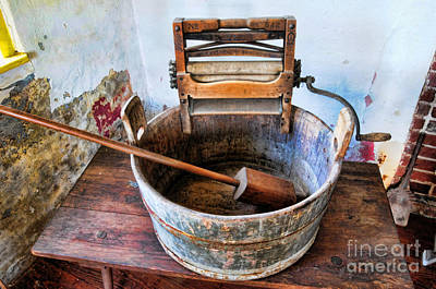 Washtub Photograph - Antique Washing Machine by Paul Ward