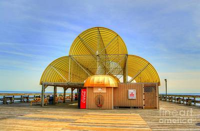 Photograph - Apache Pier Refreshment Stand by Kathy Baccari