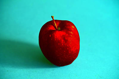Photograph - Apple 1 by Dragan Kudjerski
