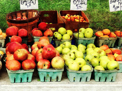 Baking Photograph - Apples At Farmer's Market by Susan Savad