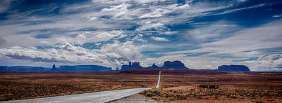 Photograph - Approaching Monument Valley II by Ron White