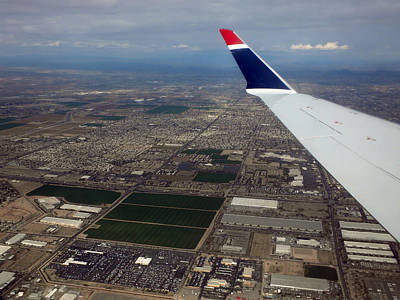 Airoplane Photograph - Approaching Phoenix Az Wing Tip View by Thomas Woolworth