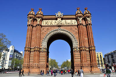 Photograph - Arc De Triomf by Andrew Dinh