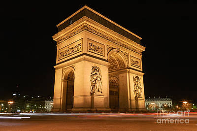 Photograph - Arc De Triomphe At Night I by Clarence Holmes