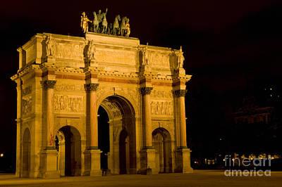 Arc De Triomphe Du Carrousel Wall Art - Photograph - Arc De Triomphe Du Carrousel by Bob Phillips