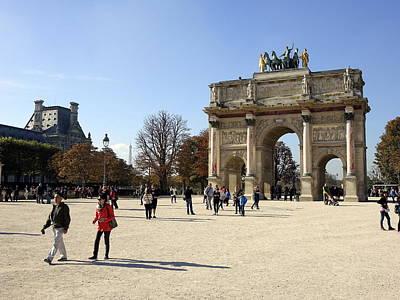 Arc De Triomphe Du Carrousel Wall Art - Photograph - Arc De Triomphe Du Carrousel In Paris France  by Richard Rosenshein