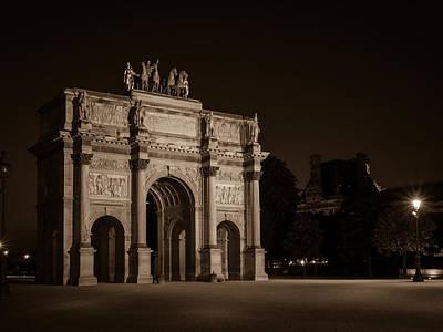 Arc De Triomphe Du Carrousel Wall Art - Photograph - Arc De Triomphe Du Carrousel by Mark Llewellyn