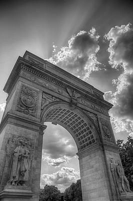 Photograph - Arch At Washington Square by Paul Watkins