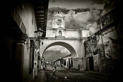 Arch Of Santa Catalina Art Print by Tom Bell