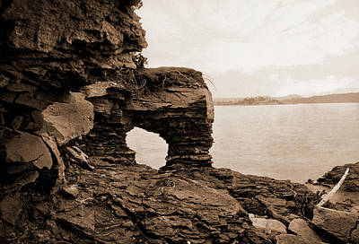 Marquette Drawing - Arch Rock, Presque Isle Park, Lake Superior, Lakes & Ponds by Litz Collection