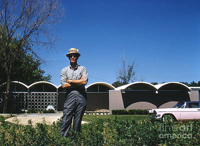 Futurism Architecture Wall Art - Photograph - Architect R. Duane Conner With The Coley House 1961 by The Harrington Collection